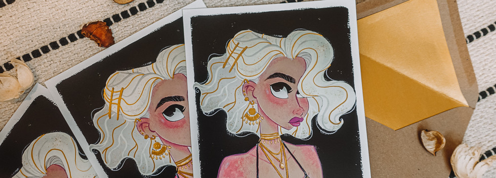 GOLDEN VINTAGE GIRL ART PRINT
