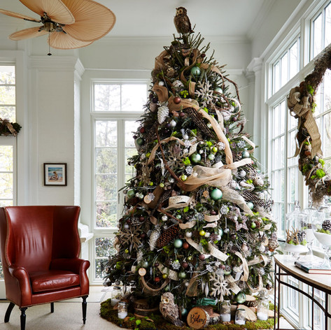 Natural Christmas tree decor, with pinecones, antlers, burlap, moss and branches; from VP Biden's home