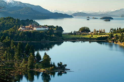 llaollao-Argentina-water-view.jpg