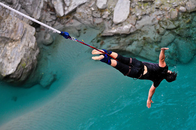 Adventure Travel Bungee Jumping New Zeal