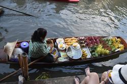 floatingmarketBangkok.JPG