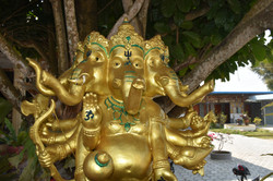 ElephantsculptureBnagkok.jpg