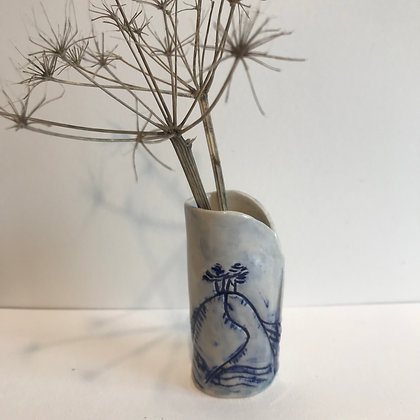Small ceramic Colmer's Hill pot for dried seedheads and grasses.