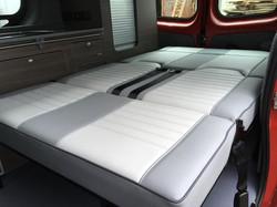 Vauxhall Vivaro R_R bed