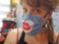 Here Kissy Kissy Kissy.jpg