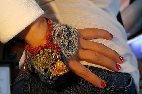 red heather and blue cuff
