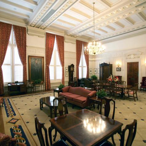 Senate Lounge (3).jpg