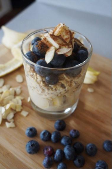Blueberry Almond Overnight Oats