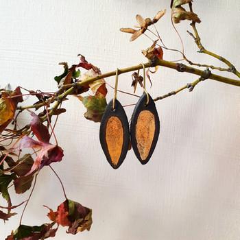 Erificio black stoneware earrings