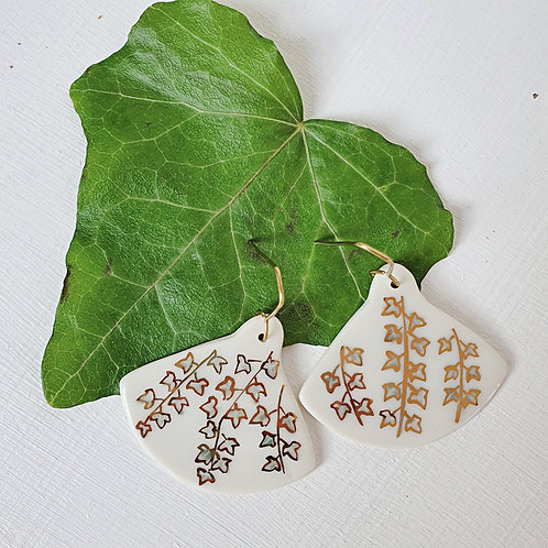 Porcelain earrings with ivy leaves