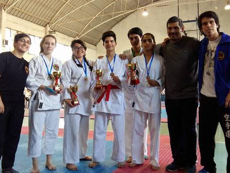 Participación de karate en Campeonato Metropolitano de los Juegos Deportivos Escolares
