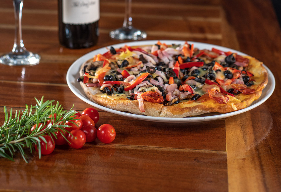 Kalgoorlie-Hotel-Pizza-Kals-Special_edit