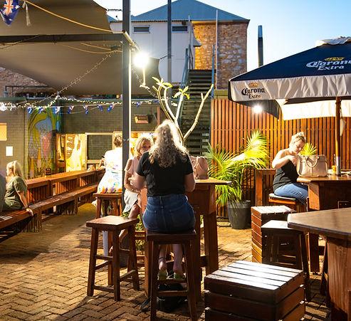 Kalgoorlie-Hotel-Beer-Garden-Mural.jpg