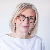 madame-Yannick-theriaux-cabinet-luxopunc