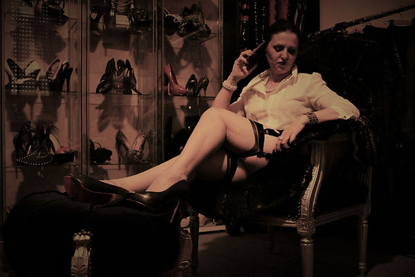 Luxury Fetish Lady al telefono