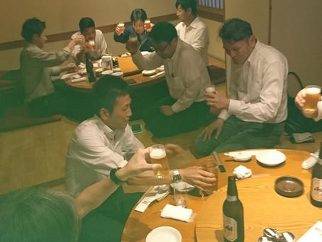 木津運送(株)・(株)協和・ナニワ交通(株)・三社合同懇親会を8月2日に行いました。参加者11名が自己紹介の後に仕事の話で盛り上がりました。