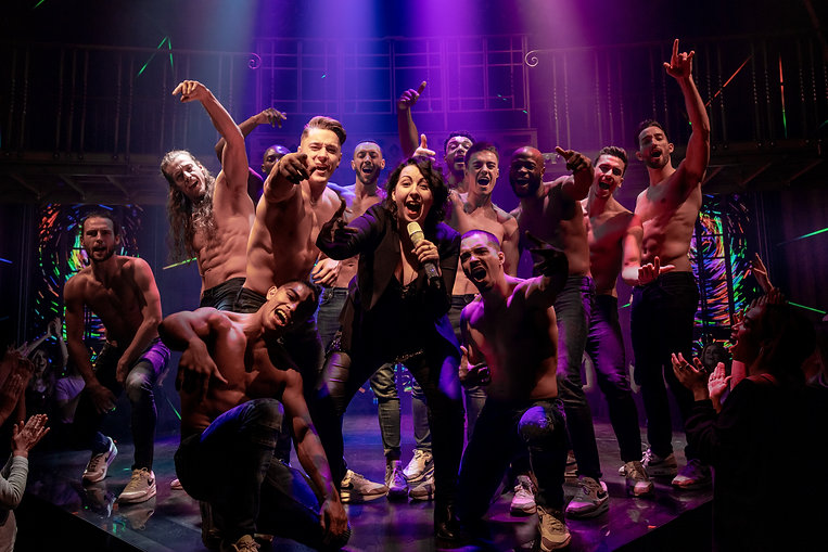 2018_11_14_Magic_Mike_Stage_Shots48302.j