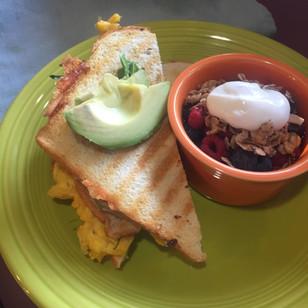 breakfast @8