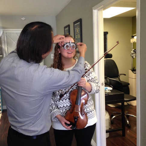Violinist testing out RX for sheet music