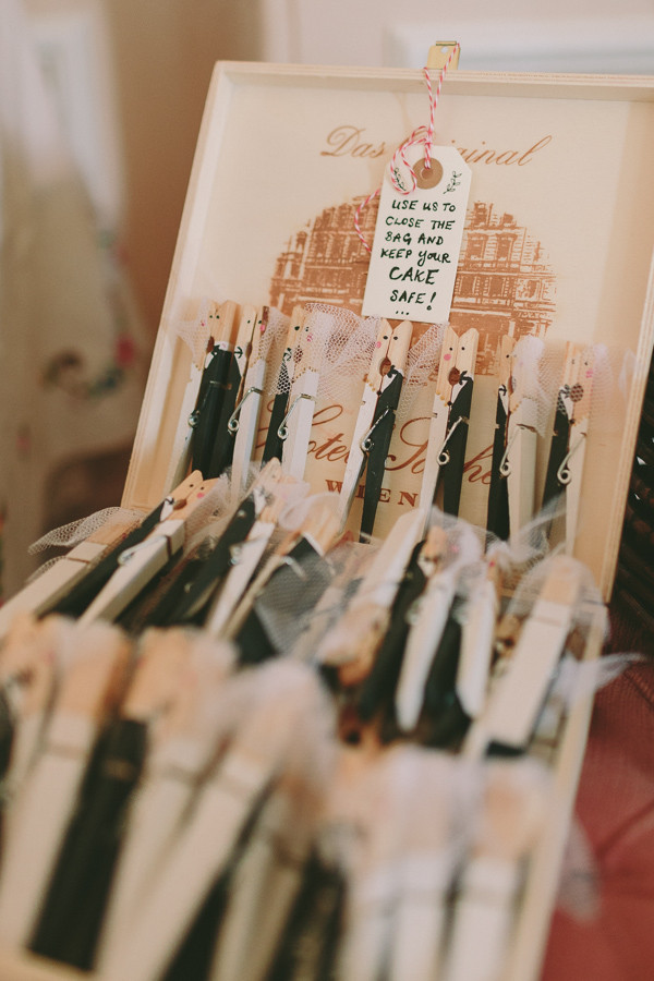 Cake Pegs Bride & Groom