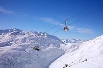 Skiing%20Lech_edited.jpg