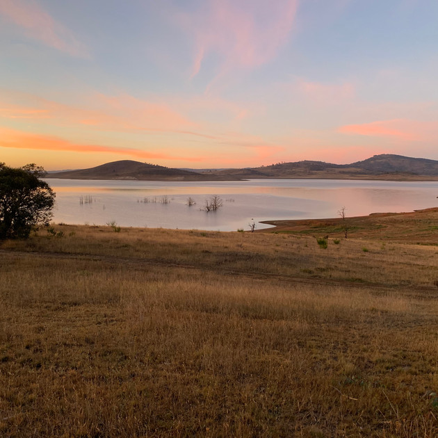Stunning Lake Eucumbene sunrise.JPG