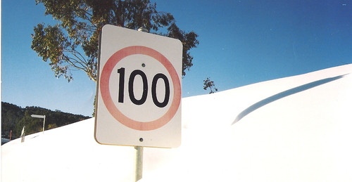 Speed sign at Cabramurra in the snow.JPG