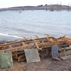 Lake Eucumbene ruins - machinery.JPG