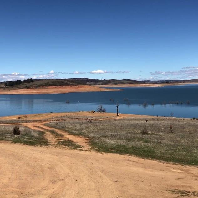 Video - Lake Eucumbene in October 2018.M