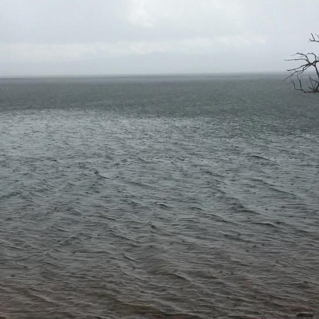 Video - Rain moves in - Lake Eucumbene.M