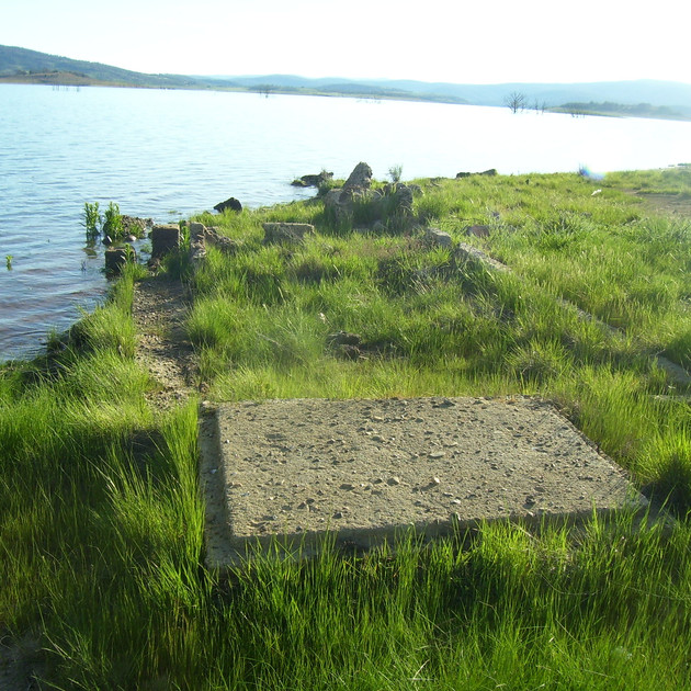Lake Eucumbene Ruins at Old Adaminaby.JP