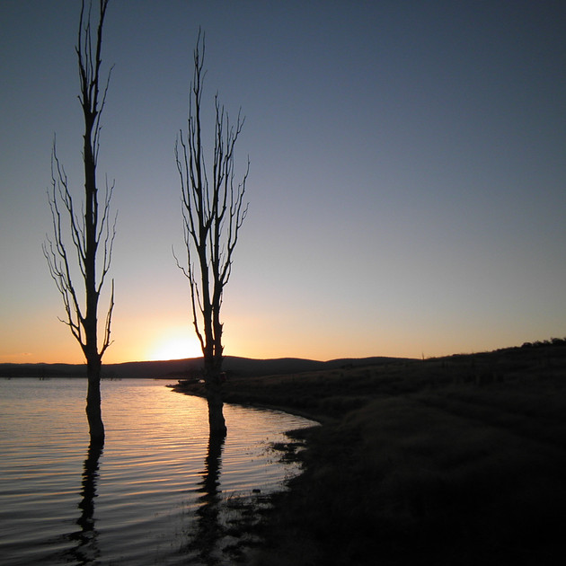 Pretty sunset at Lake Eucumbene.JPG