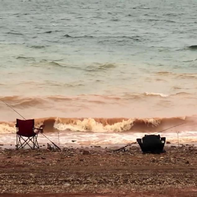 Video_ Surfs up at Lake Eucumbene.MOV