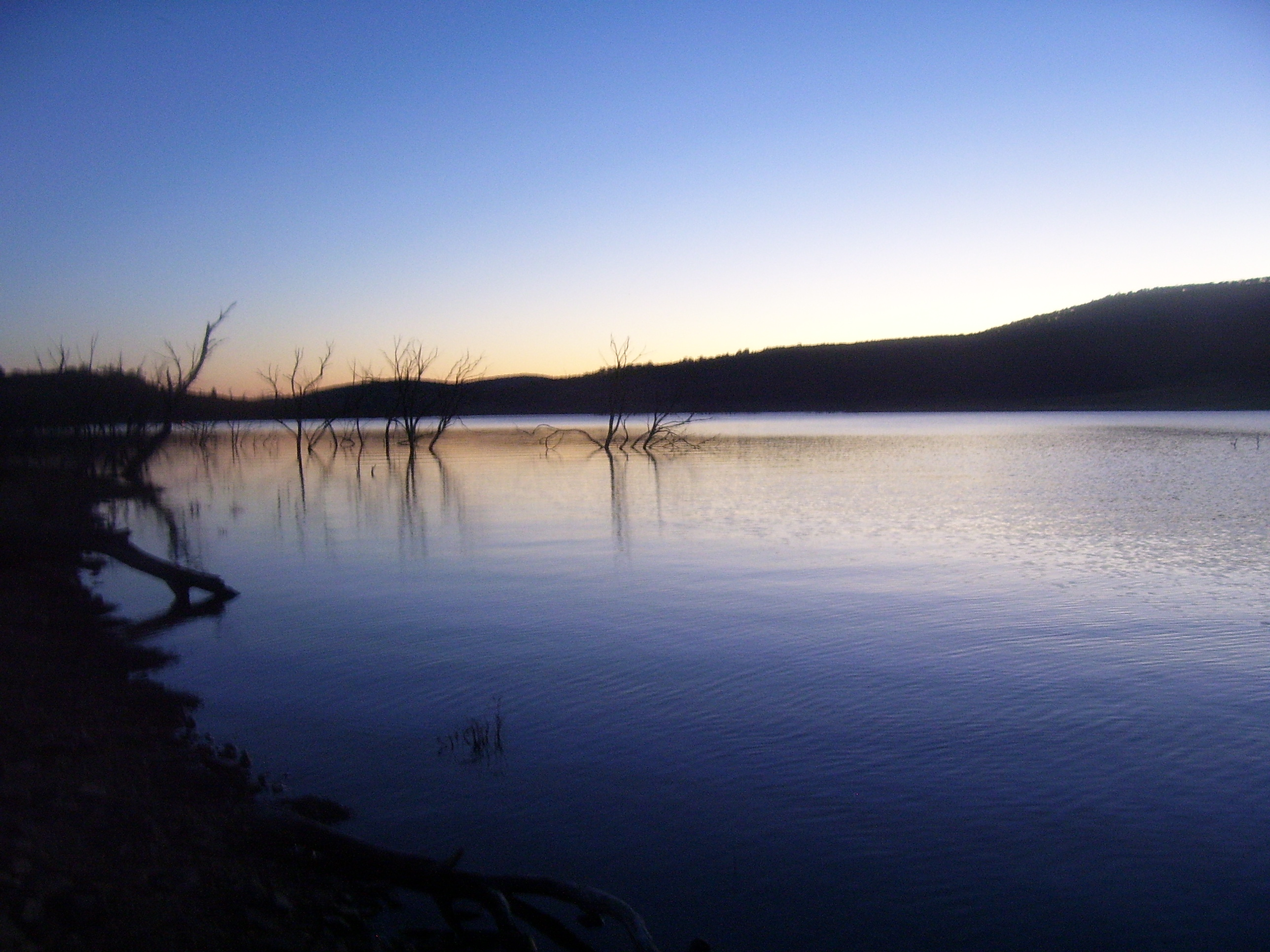 Lake Eucumbene Weather - Grace Lea Islan