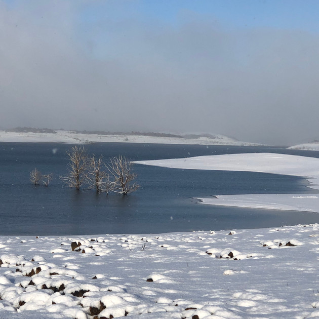 Old Adaminay (Lake Eucumbene) in snow.JP