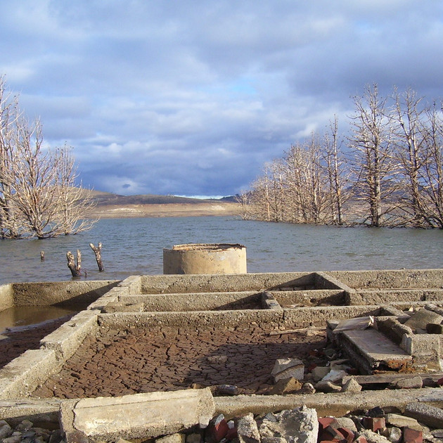 Ruins at Old Adaminaby - July 2007. Lake