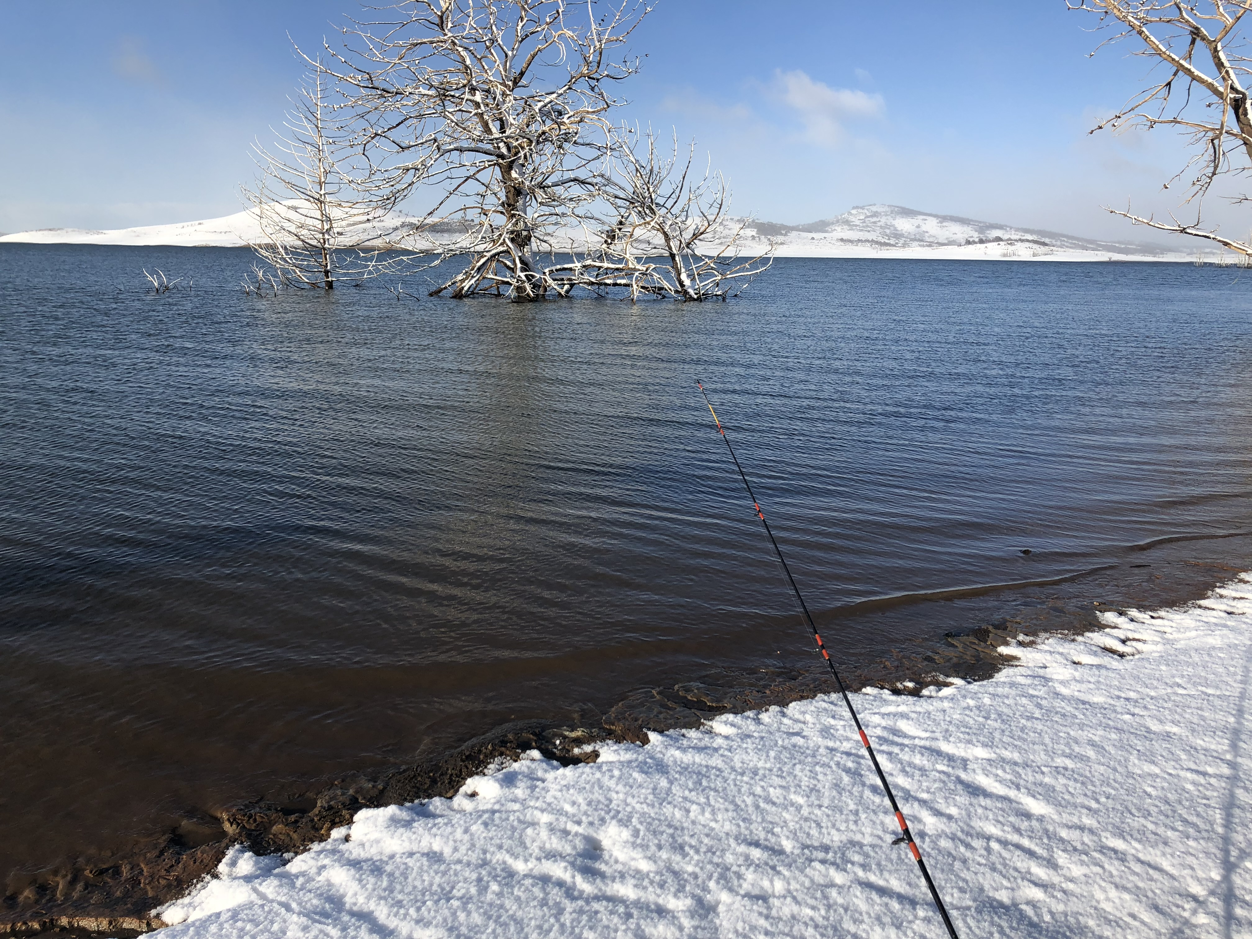 Fishing in the snow - Lake Eucumbene (Ol