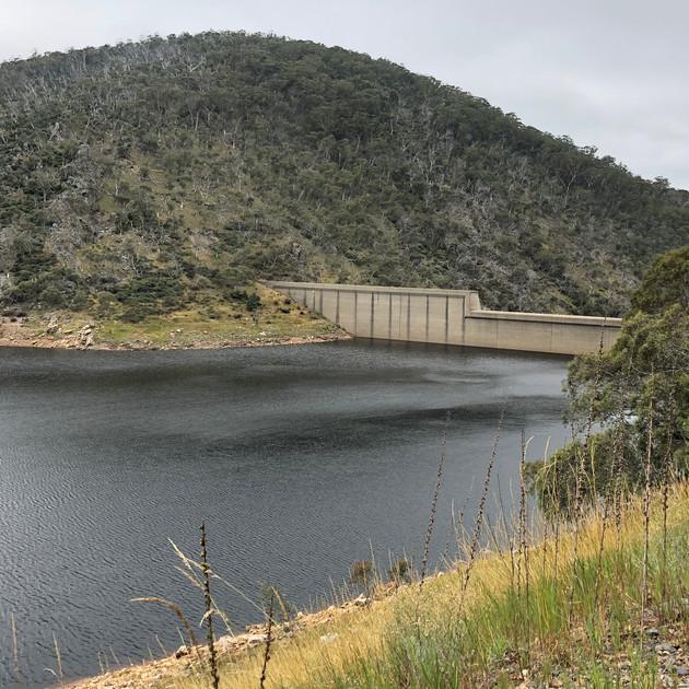 Tantangara Dam Wall.JPG