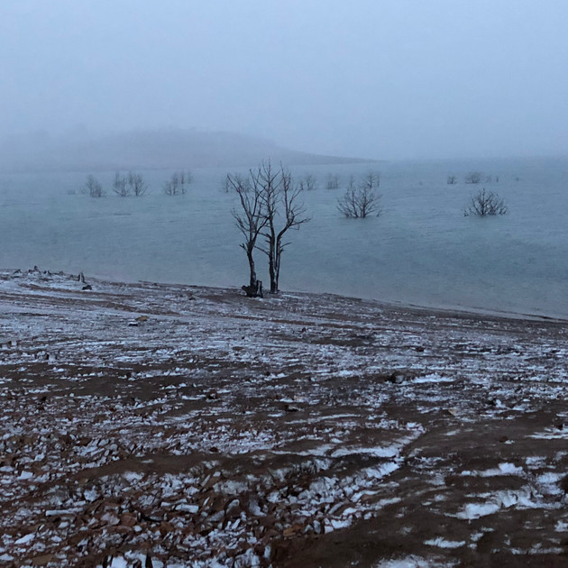 An icy afternoon - Lake Eucumbene.JPG