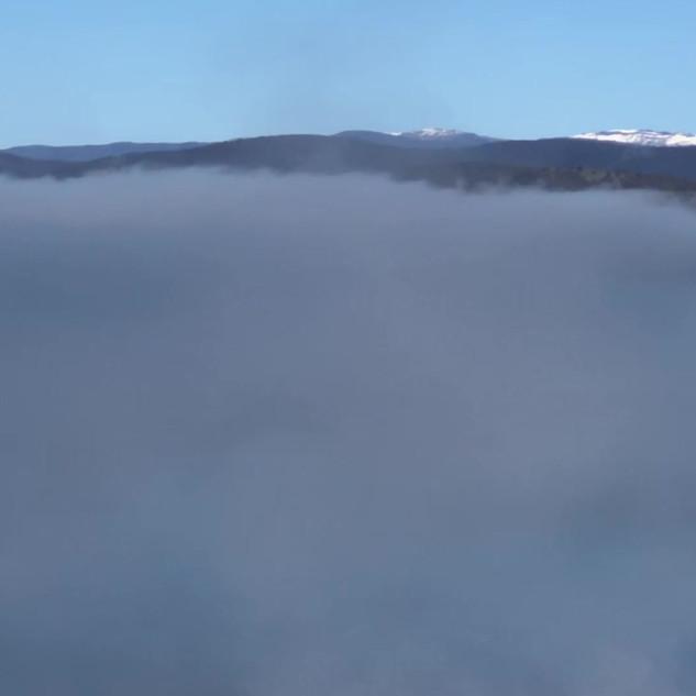 Video - Mist covers Lake Eucumbene.MOV