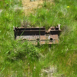 Lake Eucumbene Ruins - engine.JPG