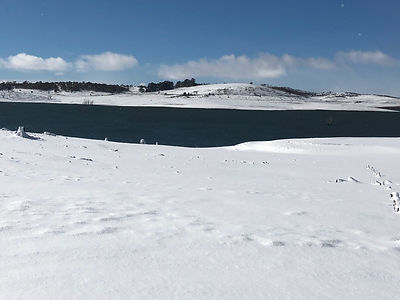 Winter snow at Lake Eucumbene.JPG