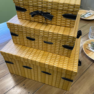 ATTRACTIVE HAMPER BOXES WITH RIBBON