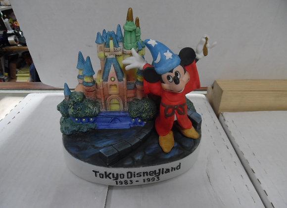 DISNEY MICKIE MOUSE Tokyo Disneyland Porcelain Figurine 1993