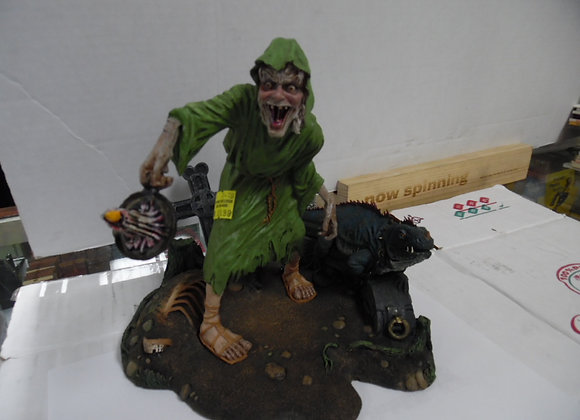 Crypt Keeper Statue
