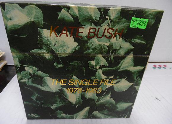 """kate bush """"the single hits"""" 1978-1983. 45's"""