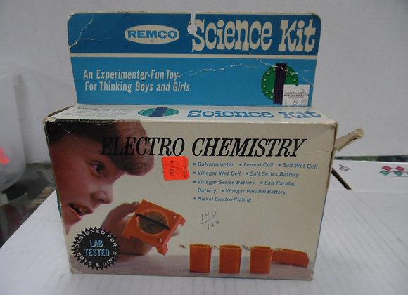 new in box Remco science kit. electro chemistry kit. box is damaged