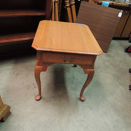 "Kincaid ""Governor's Oak"" End Table w/"