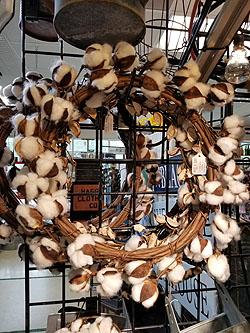 "COTTON WREATH W/SHELLS 20"" -368570"