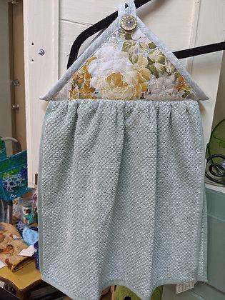 Handcrafted Green Triangle Tea Towel WTT-46-20